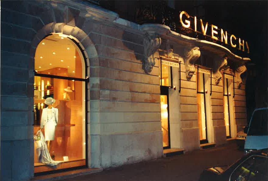 agencement-intérieur-et-exterieur-boutique-Givenchy